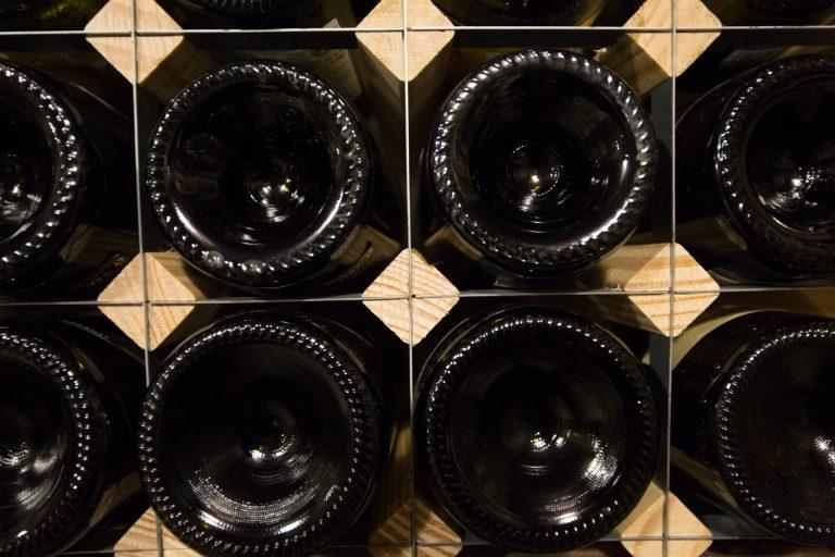 Vinflaskor-liggande